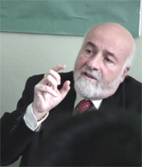 Проф. Икро Маремани